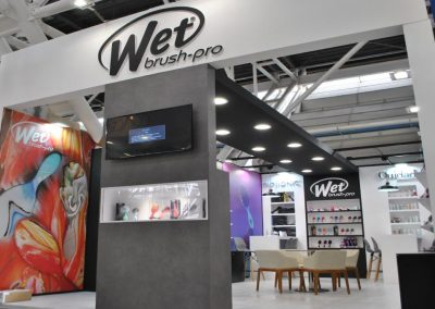 Wet brush design stand for Cosmoprof