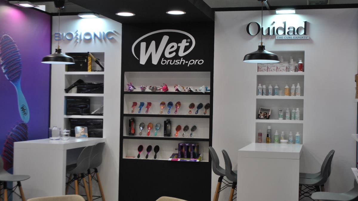 Wet Brush Cosmoprof -8