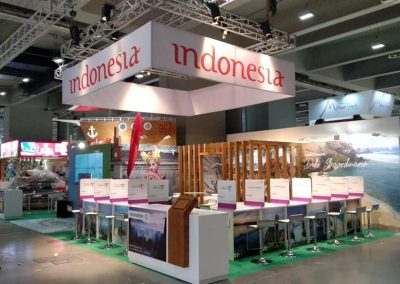 Stand builders in Italy for Indonesia